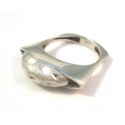 RING IN 18 KT WHITE GOLD