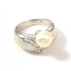 RING IN 18 KT WHITE GOLD with PEARL and Zircons