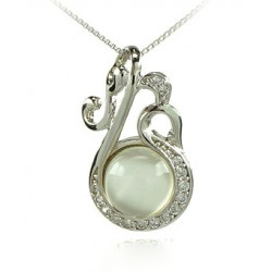 FOUR-LEAF CLOVER CHARM NECKLACE WHITE GOLD 18 KT RHODIUM PLATED SILVER CUBIC ZIRCONIA and Pearl