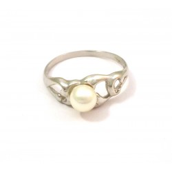 18 KT YELLOW GOLD LADIES RING with PEARL BANKS