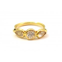 18 KT YELLOW GOLD LADIES RING with ZIRCONS